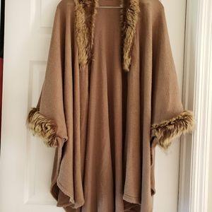 Sweaters - Beige cape w/faux fur trim.